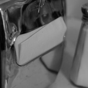 tabletop-dispenser