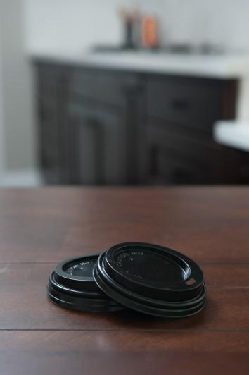 Dome sip lid 8 oz Black